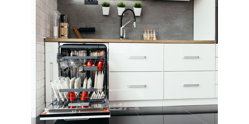 8 Telltale Signs You Need a New Dishwasher